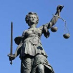 Miracol! Justiţia vede! Deocamdată doar pe cei aleşi