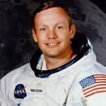 De la Pămînt la Lună și-napoi