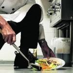 Să mănînci de pe jos este singura ta plăcere?