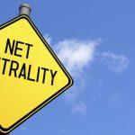 Despre antenele-sutien și neutralitatea netului