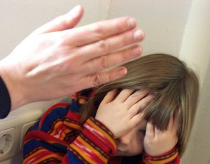 160804 slap-child